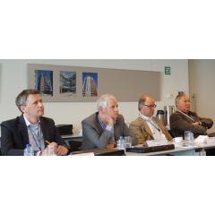 Duurzaam Gebouwd-partnersadviseren tijdens fabrieksbezoek